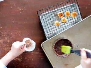 刷麵團混合蛋液