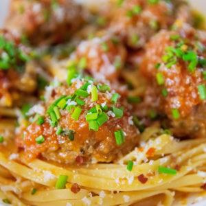 經典義式肉丸番茄義大利麵