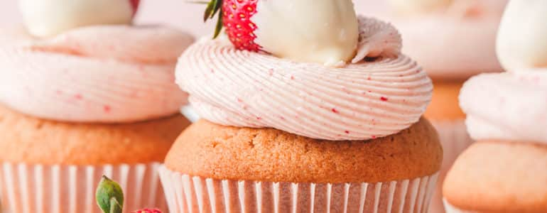 草莓杯子蛋糕_strawberry_cupcake